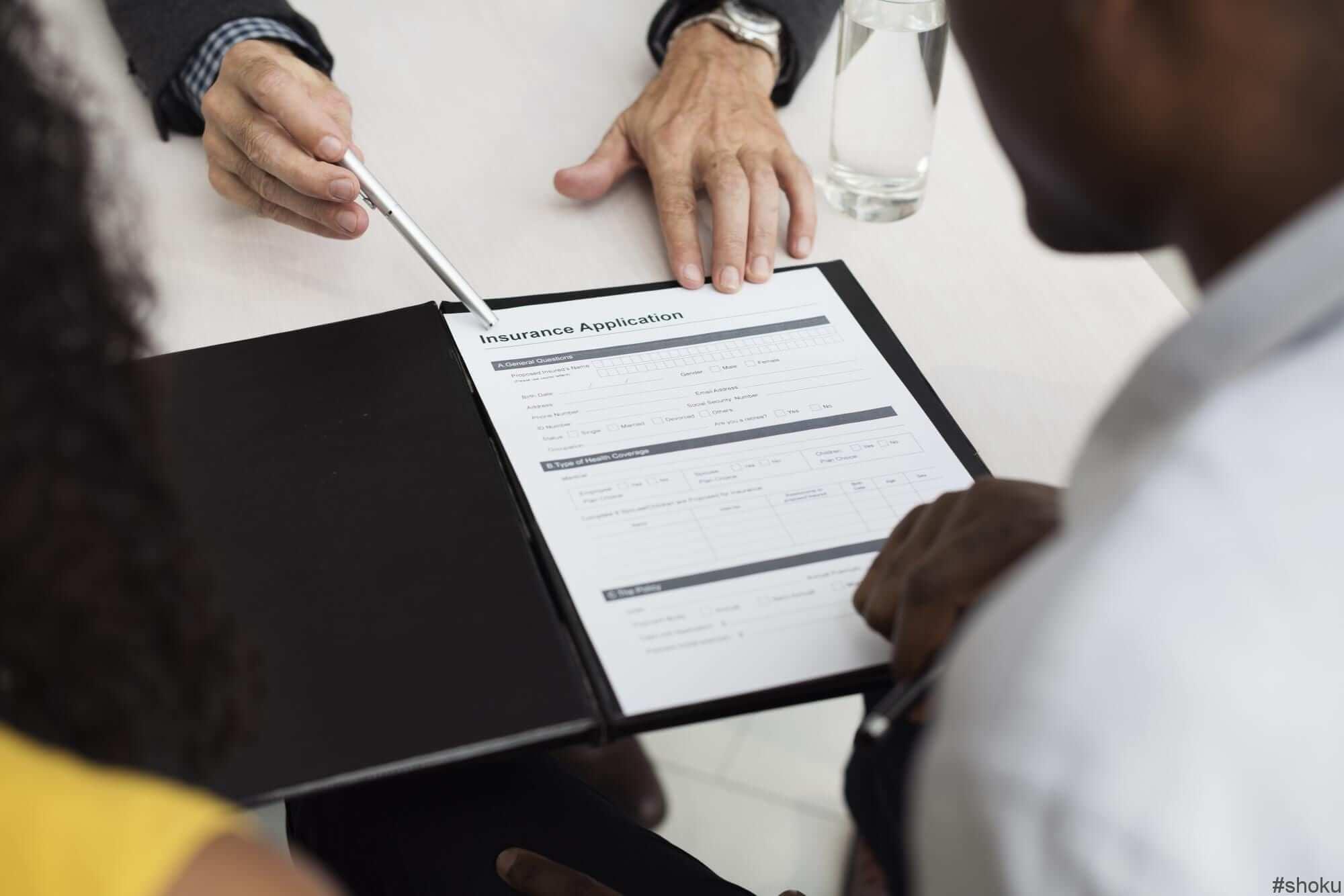 派遣会社の登録会で重要事項を説明される様子